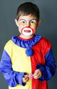 El mejor disfraz y maquillaje de payaso para niños.